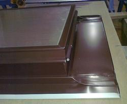 Výlez na střechu 600x600 FeZn hnědá RAL8017 profil - 2